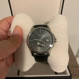 Gucci automatic pre own watch